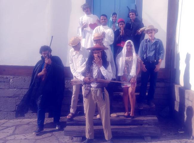 Estudantes do Câmpus Posse destacam-se em festival de cultura em Pirenópolis
